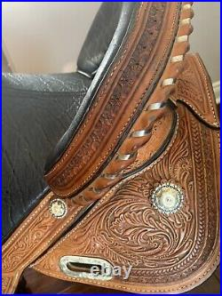 13-1/2 Circle Y Tammy Fischer Treeless Barrel Saddle Wide Fit