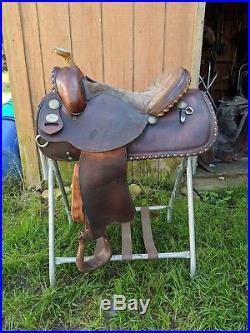 15 Crates Western Saddle