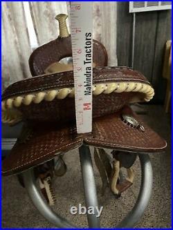 15 Lamb Barrel Saddle