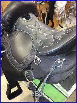 15 TN Saddlery Light Weight Western Saddle Black Synthetic Gaited