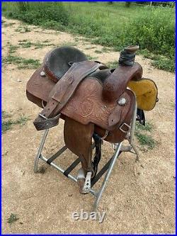 16 Corriente roping saddle