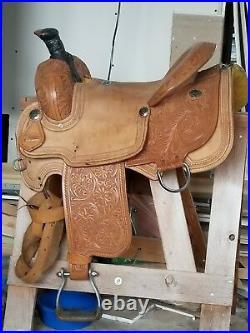 16 inch seat Roping Saddle