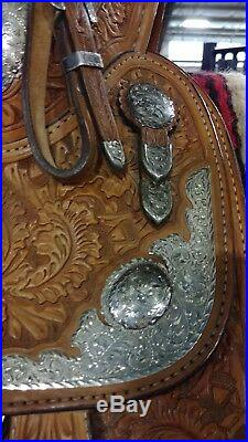 BLUE RIBBON Western Show Saddle. Beautiful