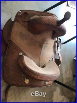 Bob marshall treeless barrel saddle Size 14