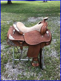 Circle Y Show Saddle SQHB 16 Seat