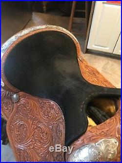 Circle Y Western Show Saddle 16 inch seat new condition with saddle cover