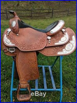 Dale Chavez 16 inch Western show saddle excellent used light oil