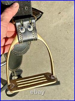 Down Under 19 Seat Australian Saddle with Brass Stirrups 30 Girth
