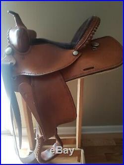 Guffey Barrel Saddle 15 inch Bear Trap Made in USA Western Square Skirt Light
