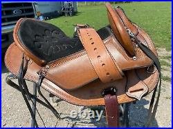 Lightly used 15 brown leather hornless gaited trail / endurance saddle