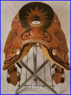 Team roping saddle 15.5 1996 trophy saddle