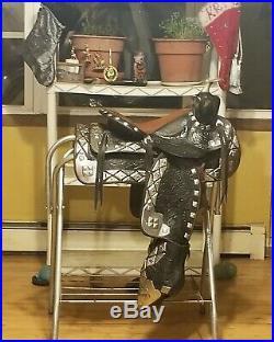 Ted Flowers Parade saddle set