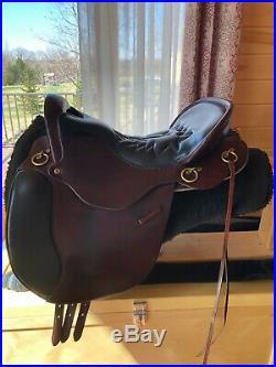 Tucker English Equitation Endurance Saddle and Reinsman Saddle Pad