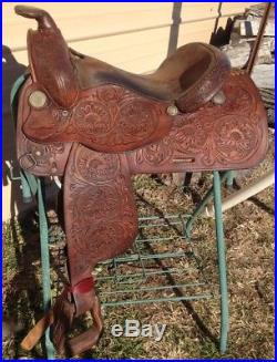 Used/vintage Imperial15 tooled leather Western trail / pleasure saddle US made